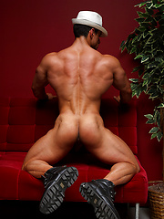 Hot bodybuilder Macho Nacho