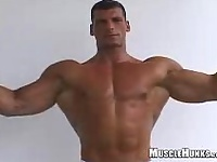 Bodybuilder Tom shows his perfect body