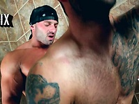 Max Deboxer gets it in a shower