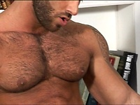 Gianluigi One to One. Bodybuilder jacking off cock, Starring Gianluigi