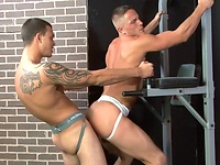 Muscle stud fucked. Starring Brad Star and Cliff Jensen